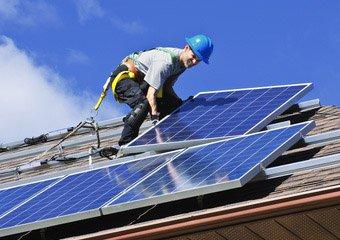 Serwis paneli fotowoltaicznych na dachu - firma Enlab